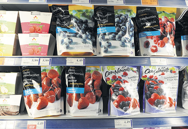 Les ventes de surgelés ont bondi de 78 % pour les légumes et de 49 % pour les fruits au mois de mars. Photo : Archives / TCN