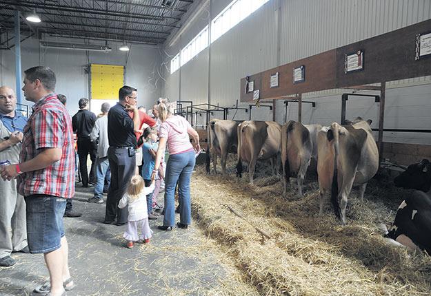 À défaut d'avoir lieu à son emplacement habituel, l'Expo agricole de Saint-Hyacinthe promet au public une expérience virtuelle personnalisée à la fin juillet. Photo : Archives / TCN