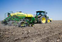 Selon la Financière, les producteurs des régions du sud et du centre de la province ont presque terminé leurs semis de maïs-grain, de soya et de céréales. Photo : Martin Ménard/Archives TCN
