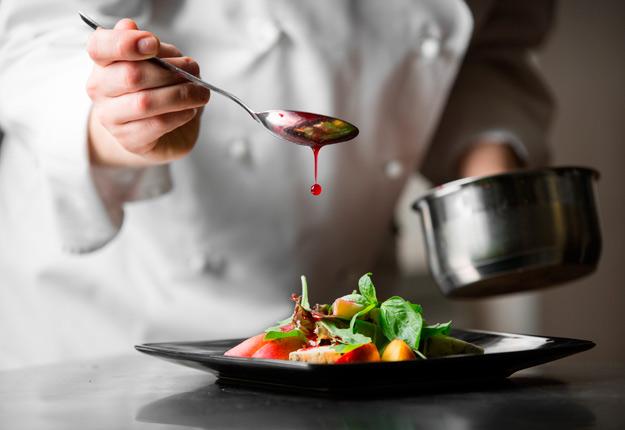 La reprise des activités du secteur de la restauration aura lieu dès le 15 juin à l'extérieur du Grand Montréal.
