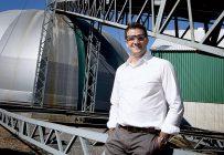 Président et chef de la direction d'Agro-100, Stéphane Beaucage affirme que les producteurs ont apprécié recevoir à l'avance leurs intrants et que cette nouvelle façon de faire pourrait se poursuivre même une fois que la crise de la COVID-19 sera derrière nous. Photo : Agro-100