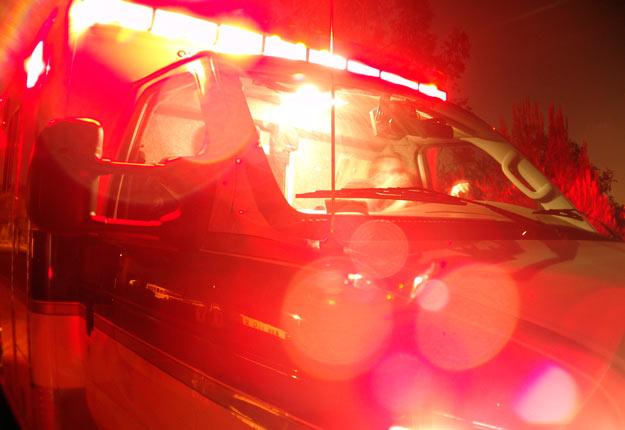 La femme qui se trouvait derrière le volant de la voiture impliquée dans l'accident a été gravement blessée.