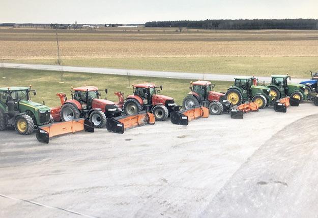 La ferme J.N. Beauchemin et Fils dispose d'une flotte de sept tracteurs pour remplir ses contrats de déneigement. Photos: Ferme J.N. Beauchemin et Fils