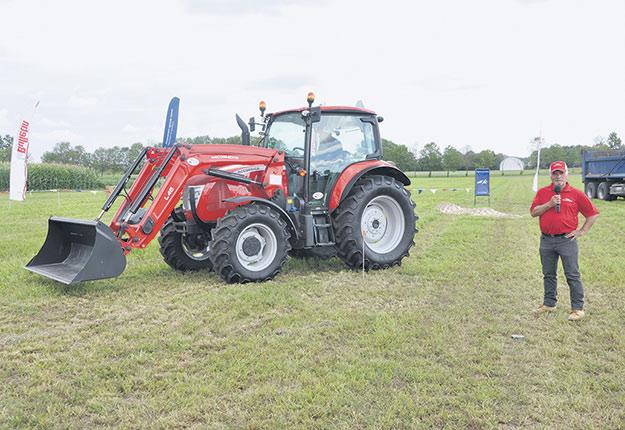 Les démonstrations de machineries agricoles préenregistrées aux champs ont attiré 201 visiteurs du 25 au 27 août. Photo : Expo-champs