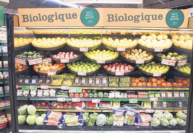 Cultivons Biologique Canada s'est vu octroyer une somme de 640 000 $ afin d'accroître la part des aliments biologiques canadiens sur le marché local. Photo : Martin Ménard/Archives TCN