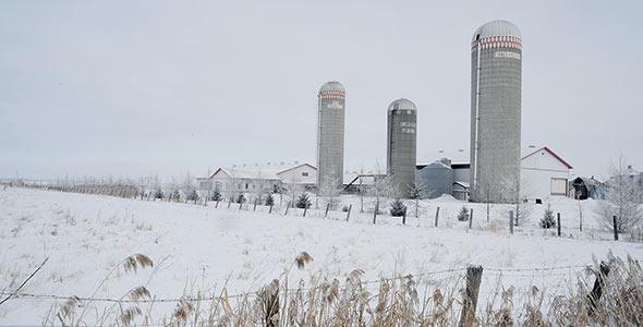L'hiver est la saison idéale pour vous occuper de toutes les réparations que pourraient nécessiter vos tracteurs et votre machinerie.