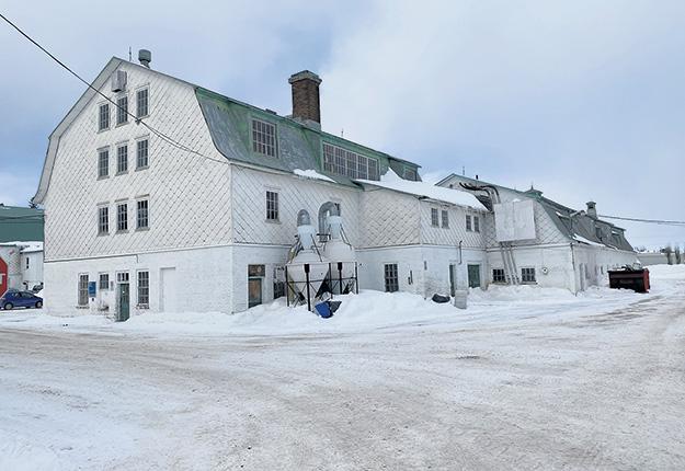 Le projet de démolition de la meunerie et de la bergerie de la ferme-école Lapokita avait été contesté l'hiver dernier. Photo : Maurice Gagnon/Archives TCN