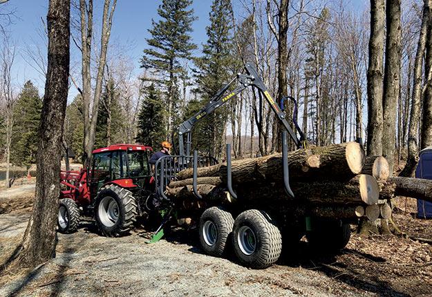 En 2019, Picken's Farm Equipment lançait sa Génération III de remorques et chargeuses forestières. Photo : Gracieuseté de Picken's Farm Equipment