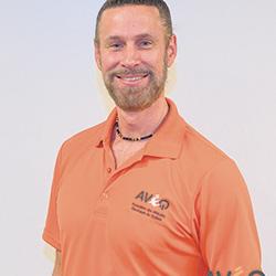 Selon Simon-Pierre Rioux, de plus en plus de mécaniciens sont formés pour réparer des véhicules électriques. - Simon-Pierre Rioux / président fondateur de l'AVÉQ