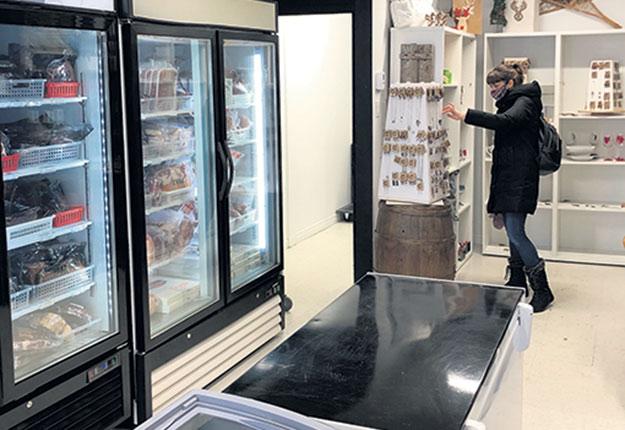 La Boucherie des Praz a réservé une section de son commerce aux produits d'artisans. Photo : Gracieuseté de la Boucherie des Praz