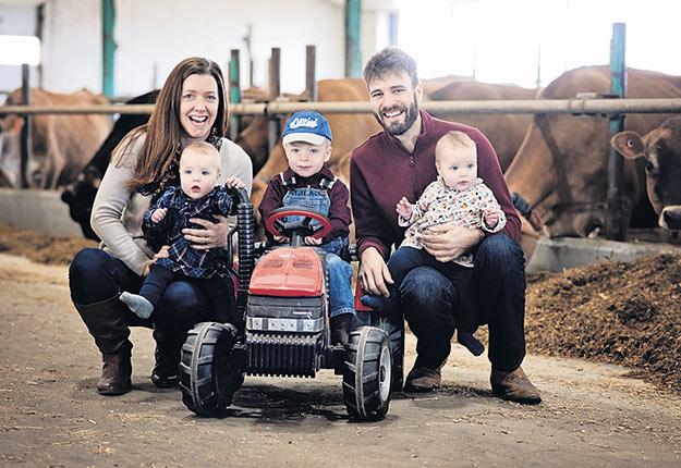 Le lait de poule fait partie des traditions du temps des Fêtes de la famille de Melissa Bowers, qui approvisionne la laiterie avec le lait de ses vaches Jersey. Photo : Gracieuseté de Mélissa Bowers