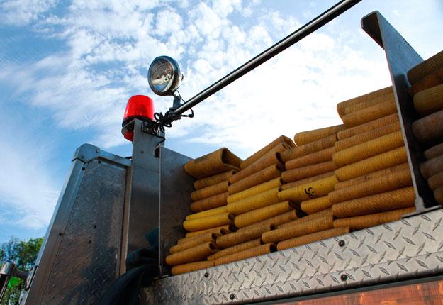 Entre 20 et 25 pompiers ont été dépêchés sur les lieux pour combattre les flammes. Crédit photo : Archives / TCN