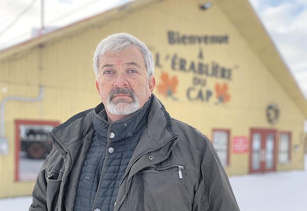 L'acériculteur Jean-Paul Tardif souhaite que l'aide gouvernementale aux propriétaires d'érablières commerciales prenne une autre forme que des prêts. Photo : Gracieuseté de l'Érablière du Cap