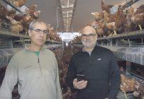 Christian et Gislain Houle, copropriétaires du Meunier du 8, ont amené l'automatisation de leurs bâtiments à un haut degré de précision. Photo : David Riendeau