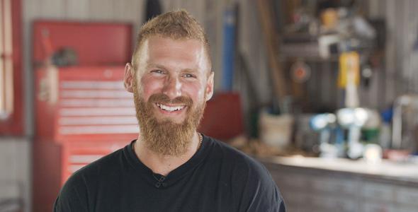 Julien, 30 ans, est producteur laitier et de grandes cultures à Saint-Antoine-sur-Richelieu, en Montérégie.