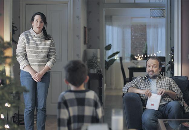 La publicité du lait, développée par l'agence Lg2, a terminé grande gagnante du concours du Bye Bye de la pub 2020. Elle avait aussi remporté la première place l'année dernière. Photo : Producteurs de lait du Québec