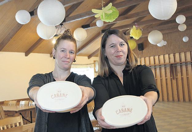 Les sœurs Fanny et Caroline Prince n'ont pas hésité à adhérer à l'offensive Ma cabane à la maison. Photo : Pierre Saint-Yves
