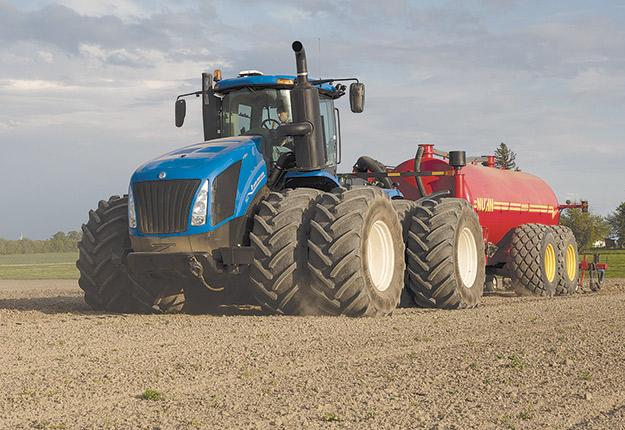 Maintenant disponible sur la série T9, la plateforme Precision Land Management (PLM) permet de suivre en direct l'avancement des travaux depuis la ferme. Photo : Gracieuseté New Holland