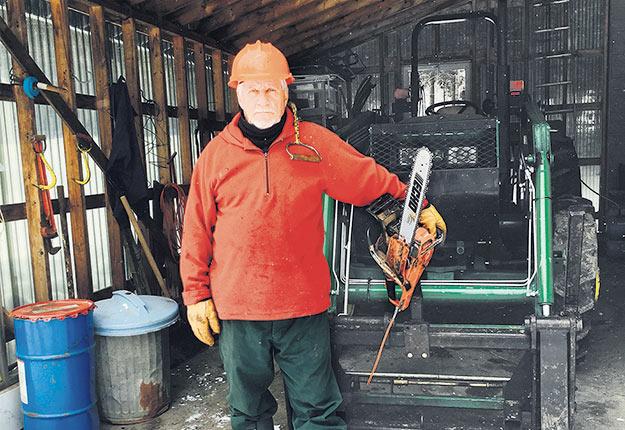 Robert Poulin dénonce la gourmandise des scieries qui vendent le bois à des prix records sans partager cette hausse avec les producteurs qui leur fournissent du bois. Photo : Gracieuseté de Robert Poulin