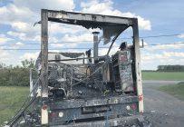 Une laveuse à pression installée dans la boîte fermée d'un camion a explosé, causant des brûlures graves à un employé de la Ferme agricole Idéal, le 5 juin 2020, à Saint-Léonard-d'Aston, dans le Centre-du-Québec. Photo : Gracieuseté de la CNESST