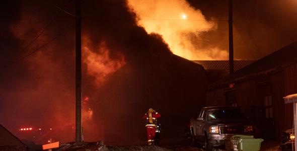 Une cinquantaine de pompiers ont été dépêchés sur les lieux.