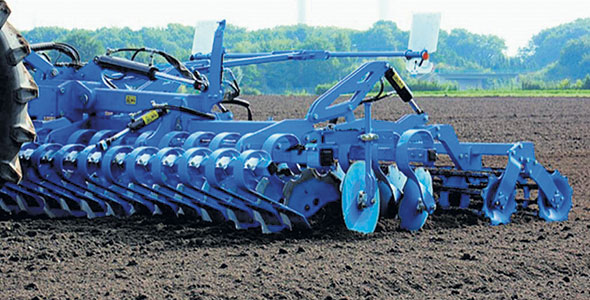 L'Heliodor 9, nouvel équipement sur le marché, est bien adapté aux sols légers et mi-lourds. Photo : Gracieuseté Lemken