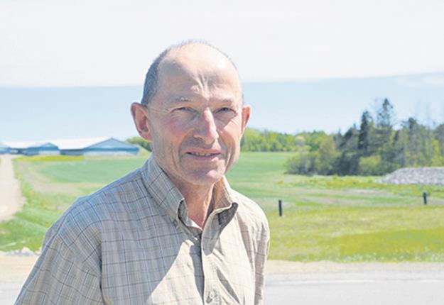 « On constate aujourd'hui qu'on n'est pas armé pour affronter les changements climatiques. » - Alphonse Pittet, président du Conseil québécois des plantes fourragères (CQPF). Photo : Archives TCN/Bernard Lepage