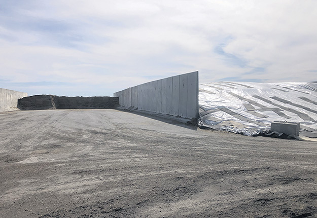 Le silo bunker de la Ferme Cougar peut contenir environ 8000tonnes d'ensilage. Photo : Gracieuseté de la Ferme Cougar