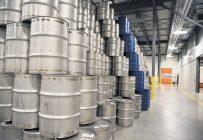 Les rendements ordinaires en acériculture devraient à tout le moins permettre aux producteurs de se faire payer des barils de sirop invendus et gardés en inventaire depuis près d'une dizaine d'années. Photo : Martin Ménard/Archives TCN