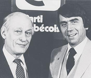 En compagnie du premier chef du Parti québécois, René Lévesque. Photo : Gracieuseté de François Gendron