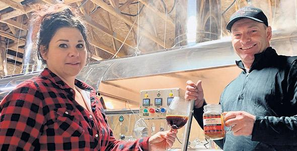 Isabelle et Hugo ont permis à l'érablière de croître et de développer de nouveaux produits.