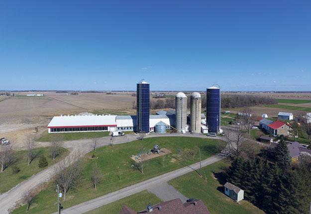 La Ferme Montcalm et Frères a lancé les travaux de construction au printemps. Photo : Gracieuseté d'Agri-Robotique