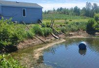 Vincent Méthot s'inquiétait le 9 juin du niveau d'eau dans ses étangs anormalement bas, tôt dans la saison. Photo : Gracieuseté de Vincent Méthot