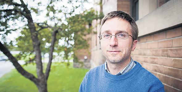 Philippe Séguin, professeur au Département des sciences végétales, Campus Macdonald de l'Université McGill, a mis au point l'outil NUTRI-Fourrager