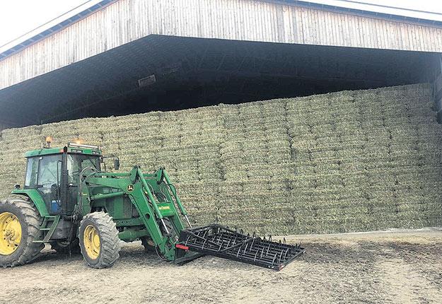 La Ferme Valbois va produire cette année environ 150000balles de foin, soit 20000 de plus que l'an dernier, principalement en raison de l'achat de nouvelles terres.