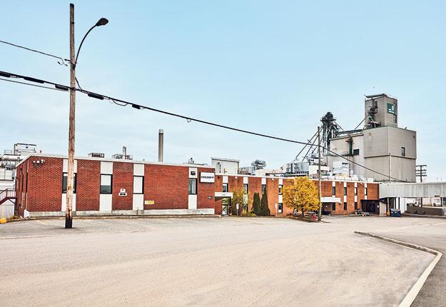 Les activités de l'usine ont repris le 28 juin après que les employés ait voté à 66 % en faveur de laproposition d'entente de la médiatrice spéciale. Photo : Gracieuseté d'Exceldor