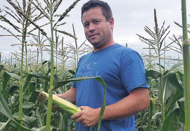 Bien qu'il ait semé son maïs à la même période qu'à l'habitude, Sébastien Flibotte a commencé la récolte avec cinq jours d'avance, la semaine dernière. Photo : Gracieuseté de Sébastien Flibotte