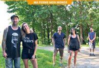 Les nouveaux producteurs maraîchers Mathieu Aubin et Tania Allard avec trois de leurs cinq employés: Nicolin Chaussé, Catherine Duval et Nicolas Abesque. Photo : Pierre Saint-Yves