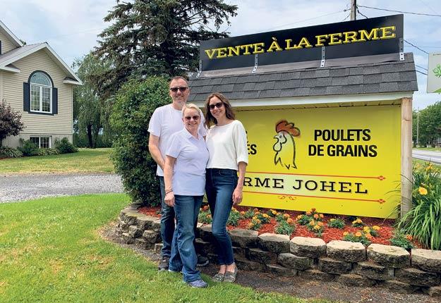 La Ferme Johel, fondée en 1980 par Hélène Miron, est aujourd'hui entre les mains de sa fille Jocelyne Miron, qui y travaille avec son conjoint Frédéric Paris et sa fille Geneviève Boisvert. Photos : Gracieuseté de Jocelyne Miron