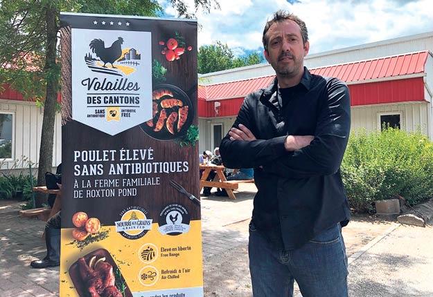 L'entreprise Volailles des Cantons, dirigée par Martin Dion, se spécialise dans l'élevage et la transformation de poulets sans antibiotiques. Photo : Gracieuseté de Volailles des Cantons