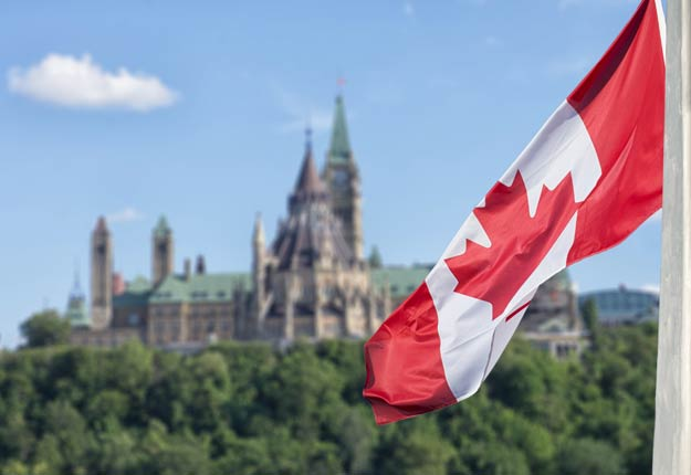 Le projet de loi C-208, modifiant la Loi de l'impôt sur le revenu, a obtenu l'aval de la Chambre des communes et du Sénat. Photo : Shutterstock