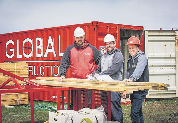 Vincent Nadeau Morissette ing., PDG, François Turcotte ing. jr., Surintendant de chantier et François Berthiaume, Directeur des travaux. Photos: Global concept