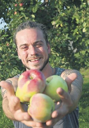 Vincent Barry dice que quiere unir el arte, la agricultura y el bienestar en su negocio.