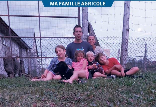 Ménadel, Magaly, Éden et Ludovick en compagnie de leurs parents Dave Madore et Glennis Ouellet. Photos: Gracieuseté de la famille Madore-Ouellet