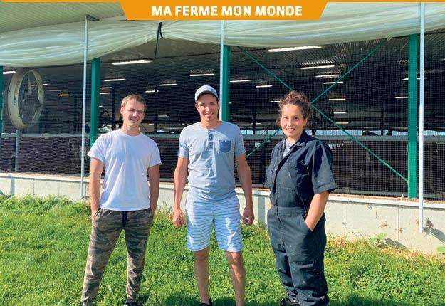 Michaël Blackburn, au centre, est entouré de Francis Girard et de Karen Harvey, deux de ses employés qui ont profité du programme FermEmploi d'AGRIcarrières. Photo : Gracieuseté de la Ferme ABG Blackburn
