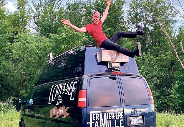 Ghislain Jutras parcourt le Québec bio à bord de sa fourgonnette. Photo : Gracieuseté de Ghislain Jutras