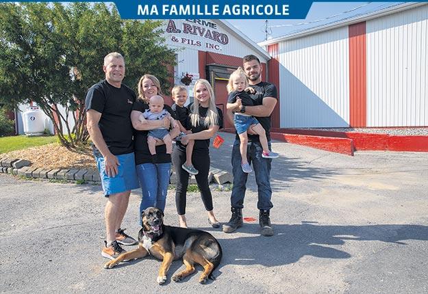 Le chien Niki entouré du clan Rivard formé entre autres de Julien, Christine (Gauthier), Tristan, Jacob, Laurie-Anne (Morin), Victoria et Kévin. Photos: Ordre national du Mérite agricole (2019)