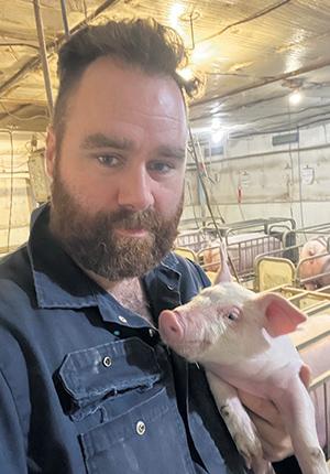 Mathieu Pilote s'est fait dire qu'il y aurait des porcs en attente au moins jusqu'au début 2022. Il souligne que les jeunes de la relève ont les reins moins solides pour traverser ce genre d'épreuves. Photo : Gracieuseté de Mathieu Pilote