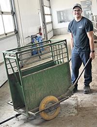 L'une des réalisations « maison » d'Émile : le chariot pour le transport des petits veaux.