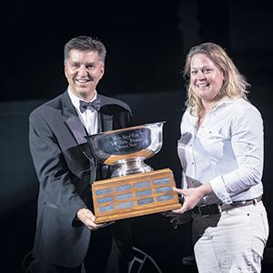 Ysabel Jacobs s'est vu décerner le 2021 A.C. ''Whitie'' Thomson Memorial Award, destiné à un éleveur exemplaire qui se démarque par son leadership et son esprit d'équipe. Photo : The Bullvine